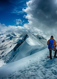 Breithorngrat mit Bergsteiger, HDR.jpg